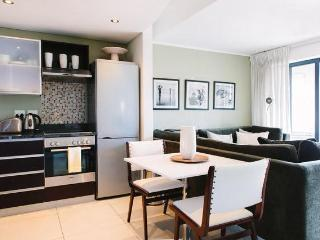 Deluxe 1-Bedroom Apartment in De Waterkant - Cape Town vacation rentals