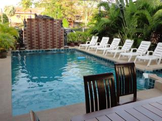 5 bedroom Villa, private pool and huge living room - Pattaya vacation rentals