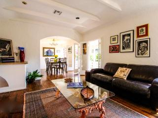 Awards Season and Holidays in Hollywood Hills! - Los Angeles vacation rentals