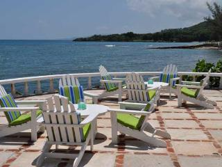 PARADISE TTW - 83614 - CHARMING SEASIDE   4 BED VILLA WITH POOL   MONTEGO BAY - Montego Bay vacation rentals