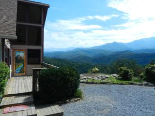 Awesome View, Quiet, Comfortable, Romantic - Gatlinburg vacation rentals