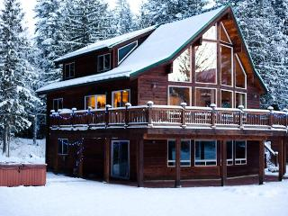 The Sky Lodge Amazing 3 BDRM & Hottub Stevens Pass - Index vacation rentals