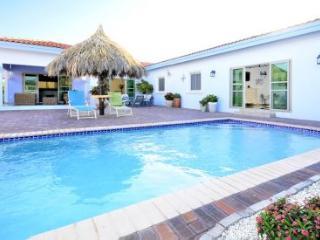 Island Sun Villa - Noord vacation rentals