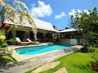 Villa Clochette Bali : 2 bedroom villa in Seminyak - Kuta vacation rentals