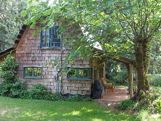 Applewood Cottage, Courtenay, Vancouver Island, BC - Courtenay vacation rentals
