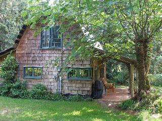 Applewood Cottage, Courtenay, Vancouver Island, BC - Courtenay vacation rentals