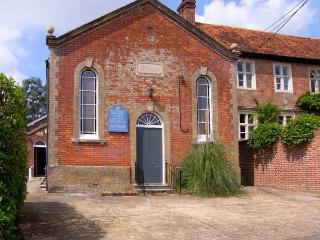 THE METHODIST CHAPEL, converted chapel, with games room, off road parking, and garden, in Whiteparish, Ref 16337 - Whiteparish vacation rentals