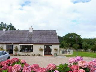 LLYS NEWYDD, terrific cottage, set in Beaumaris golf course, all ground floor, enclosed patio, in Beaumaris, Ref 19235 - Island of Anglesey vacation rentals