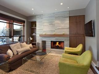 Whistler Ideal Accommodations: Deluxe 4 bedroom plus media room - Whistler vacation rentals