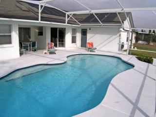 Highly Recommended 3 Bed, 3 Bath Villa - Davenport vacation rentals