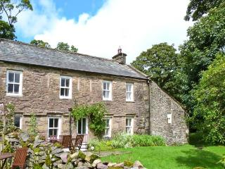 HIGH SPRINTGILL COTTAGE, character cottage,  woodburner, off road parking,and garden, in Ravenstonedale, Ref 10542 - Ravenstonedale vacation rentals