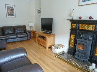 SEASPRAY family friendly, two woodburning stoves, sea views in Saint Monans Ref 18418 - Saint Monans vacation rentals