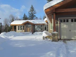 4 Bedroom Luxury House on 12 Acres near Ski Hill! - Revelstoke vacation rentals