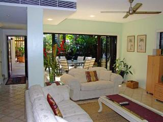 3 bedroom Villa with Internet Access in Port Douglas - Port Douglas vacation rentals