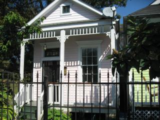 Charming three room house  near exciting Oak St. - New Orleans vacation rentals