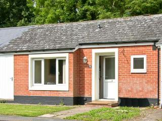 24 HIGH STREET, ground floor, village centre, close to Cambridge, in Madingley, Ref 17522 - Saint Neots vacation rentals