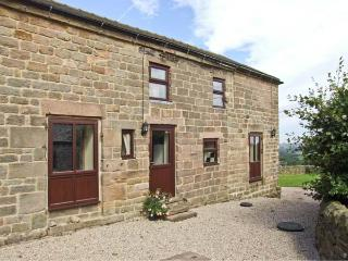 WIGWELL BARN all ground floor, on a working farm, beautiful views in Wirksworth Ref 18971 - Wirksworth vacation rentals