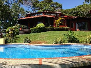 Oceanfront Family Rental Panoramic View & Pool DO1 - Pavones vacation rentals