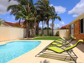 Adare House - (Air-cond, Pool, Free Wifi & Foxtel) - Perth vacation rentals