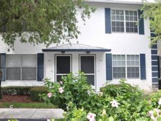 Sand Star Villas - SSV105 - Charming 2-bed Condo! - Marco Island vacation rentals