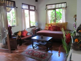 Cute, Cozy, Colourful & Comfortable Villa - Ubud vacation rentals