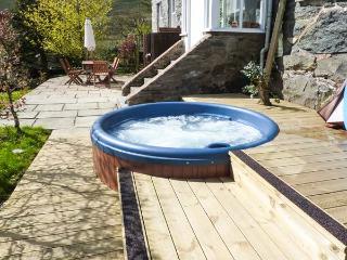 CWM LLAN, woodburner, parking, garden, in Llangwm, Ref 17835 - Betws-y-Coed vacation rentals