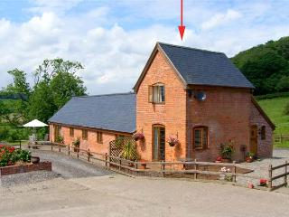 Y BWYTHYN, romantic, pet friendly cottage, en-suite, close walking/cycling, in Tregynon, Ref 18227 - Newtown vacation rentals