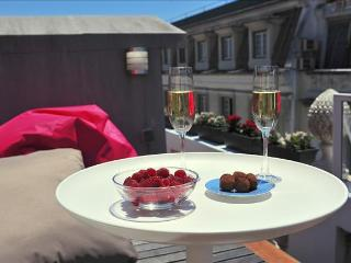 Chiado-Crucifixo I - lovely rooftop terrace, cosy and charming, fantastic location - Lisbon vacation rentals