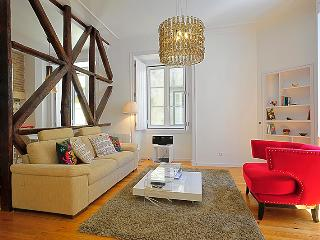 Travessa III- bright, glamorous, in the heart of the historic center - Lisbon vacation rentals