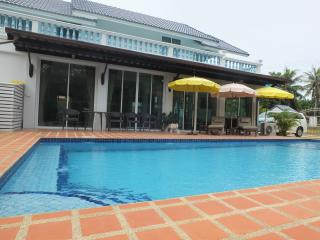 PRANBURI 60meters TO KHAO KALOK BEACH PAK NAM PRAN - Prachuap Khiri Khan Province vacation rentals