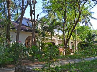 Arcadia - 4 Bedroom Villa with pool close to beach - Watamu vacation rentals