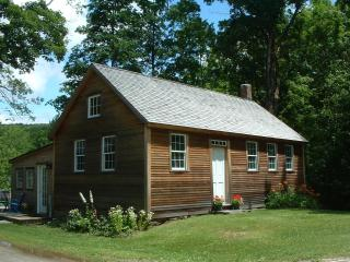 2 bedroom Cottage with Deck in Guilford - Guilford vacation rentals