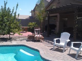 Escape Winter in AZ -4 bdm+HEATED POOL $700/wk - Florence vacation rentals