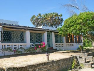 Cassurina - 2/3 Bed Coastal Cottage  in Watamu - Watamu vacation rentals