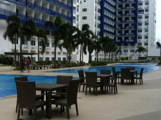 2 BR FULLY FURNISHED CONDO UNIT SEA RESIDENCE MOA - Manila vacation rentals