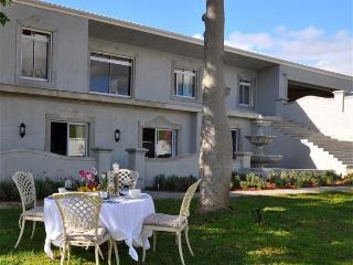 Boutique Self Catering Unit near Stellenbosch - Stellenbosch vacation rentals