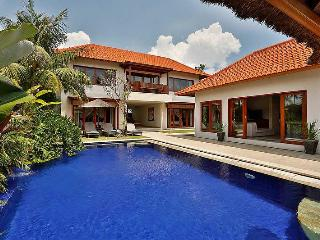 CANGGU  4 BR. AMORE VILLAS | 5 STAR LUXURY | LOCAT - Buwit vacation rentals