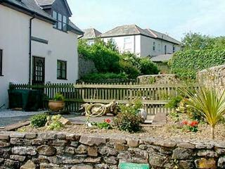 DAIRY COTTAGE upside down accommodation, shared use of swimming pool and games room in Bude Ref 19586 - Bude vacation rentals
