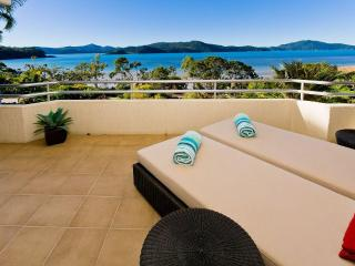 Lagoon 102 - The Beach Shack - Hamilton Island vacation rentals