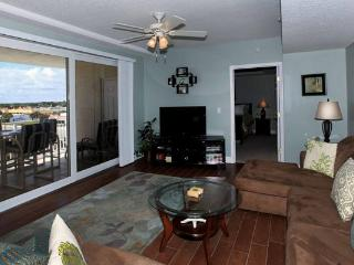 Gorgeous Condo with A/C and Balcony - Daytona Beach vacation rentals