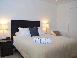 Deluxe Studio's, close to beach and shops! - Fort Lauderdale vacation rentals