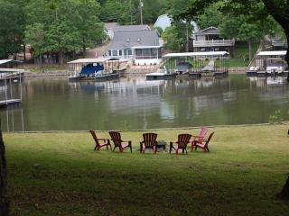 Relaxing getaway vacation home, 24 acres in a cove - Sunrise Beach vacation rentals