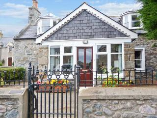 GILLIEBANK near cycle routes, sun room, front and rear gardens, in Portsoy, Ref 19784 - Portsoy vacation rentals