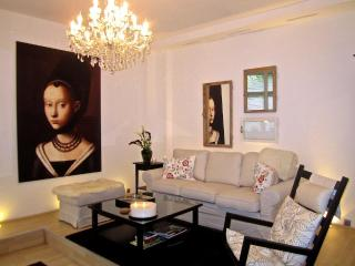 Elegant Vacation Apartment in Trendy Neighborhood of Berlin - Berlin vacation rentals