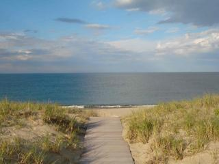 4 Bedroom 2 Bathroom Vacation Rental in Nantucket that sleeps 8 -(10310) - Siasconset vacation rentals