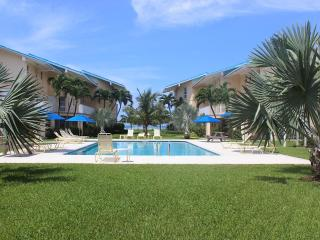 1B Condo on SevenMileBeach - CaymanReefResort #17 - Seven Mile Beach vacation rentals