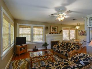 Gulfport Palm Cottage - Gulfport vacation rentals