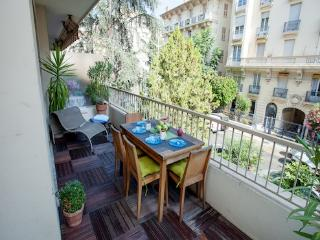 Imperial- Amazing 2 Bedroom Nice Flat with a Large Balcony - Nice vacation rentals