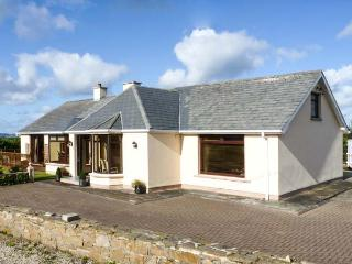 STRAND COTTAGE, pet friendly, open fires, en-suite, sea views in Derrybeg, Ref 15997 - Gaoth Dobhair (Gweedore) vacation rentals