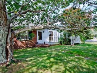 CHERRY TREE COTTAGE - EDG JMES-02 - Edgartown vacation rentals